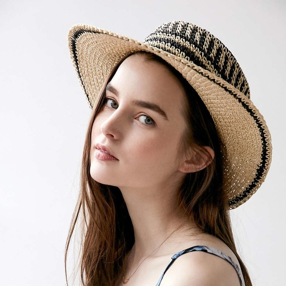213ab989270 Urban Outfitters Accessories